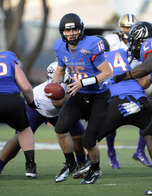 Boise State quarterback Joe Southwick (16) looks to hand off the ball during second half of the MAACO Bowl NCAA college football game against Washington, Saturday, Dec. 22, 2012, in Las Vegas. Boi ...