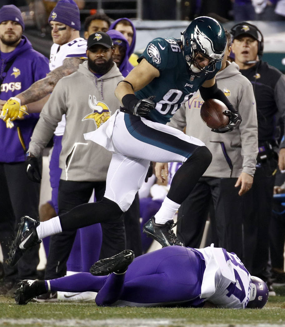 Philadelphia Eagles' Zach Ertz catches a pass during the first half of the NFL football NFC championship game against the Minnesota Vikings Sunday, Jan. 21, 2018, in Philadelphia. (AP Photo/Patric ...