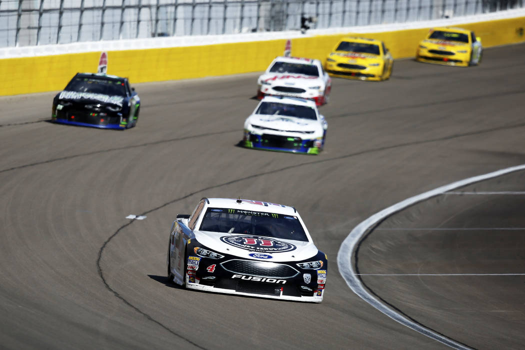 Kevin Harvick (4) competes in the Monster Energy NASCAR Cup Series Pennzoil 400 auto race at the Las Vegas Motor Speedway in Las Vegas on Sunday, March 4, 2018. Andrea Cornejo/ Las Vegas Review-Jo ...