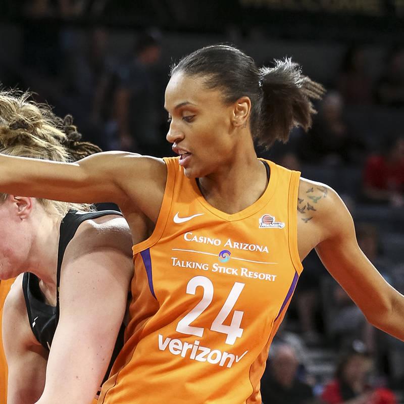 Phoenix Mercury forward DeWanna Bonner (24) defends in front of Las Vegas Aces center Carolyn S ...