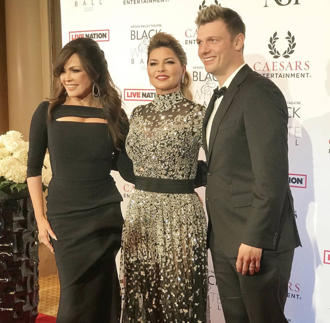 Shania Twain, center, is shown with Marie Osmond and Nick Carter of the Backstreet Boys at the ...
