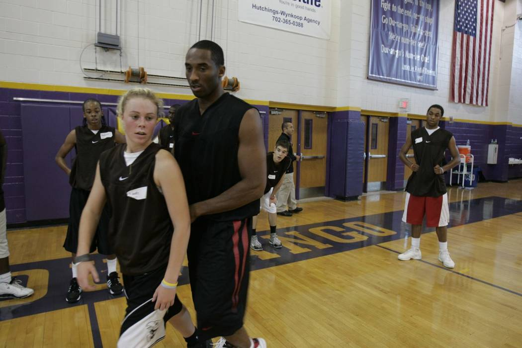 Kobe Bryant, right, gives pointers to former Durango High and Stanford basketball standout Lind ...