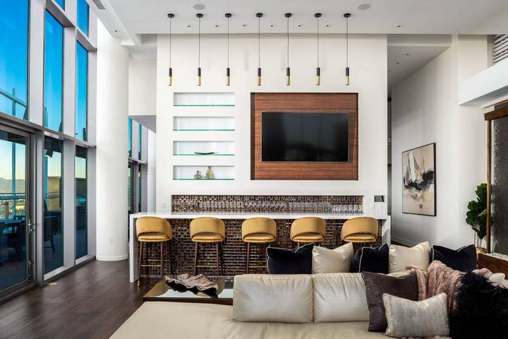 The penthouse is rented for $5,000 to $25,000 a night for corporate parties and celebrities. (T ...