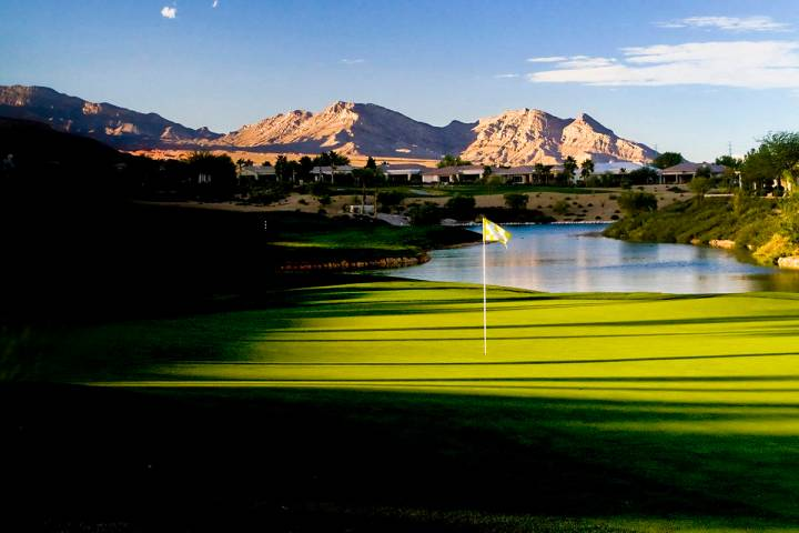 The par-4 ninth hole at Siena Golf Club in Las Vegas. (Allan Henry, Golf Chronicles/Special to ...