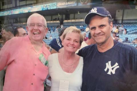 Former UNLV basketball coach Charlie Spoonhour and his wife, Vicki, are shown with ex-New York ...