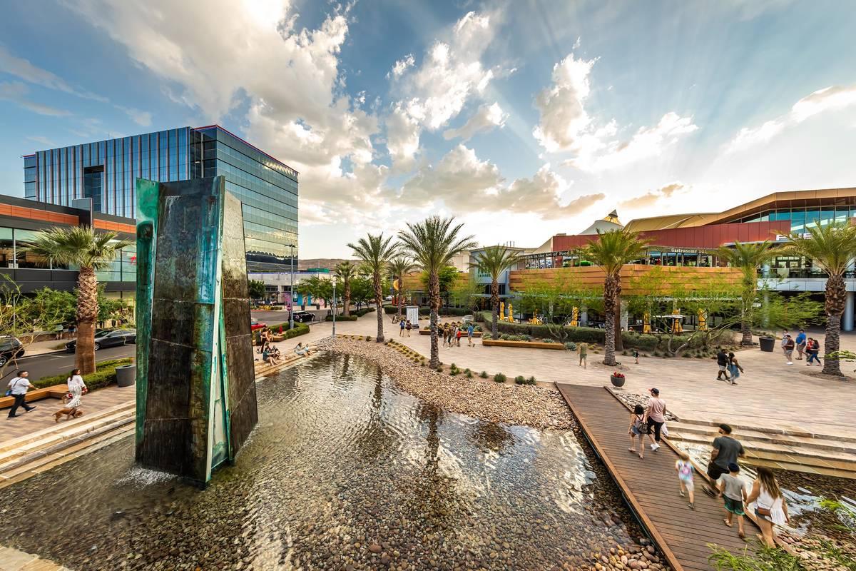 Downtown Summerlin includes an outdoor pedestrian retail center. (Downtown Summerlin)