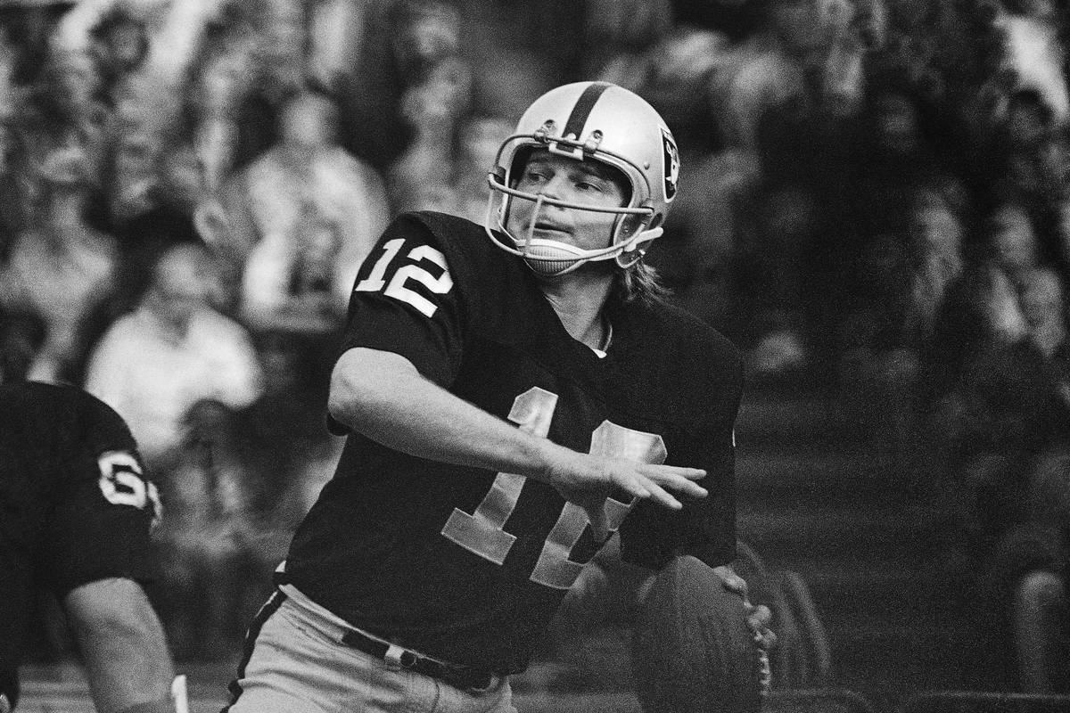 In this 1974 file photo, Oakland Raiders quarterback Ken Stabler looks to pass. (AP Photo/File)