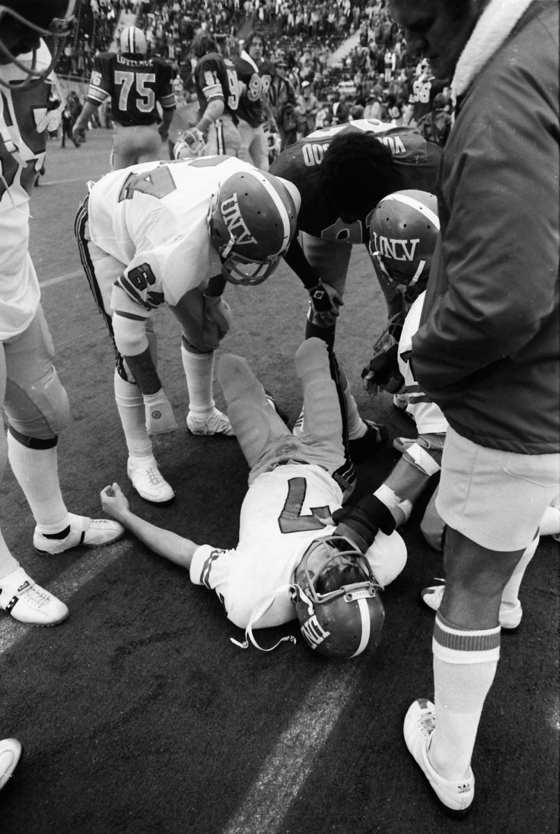 UNLV quarterback Kenny Mayne breaks his right ankle at Oregon on Oct. 25, 1980. (The Register-G ...