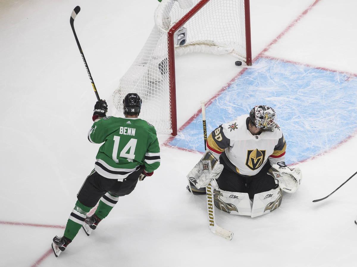 Dallas Stars' Jamie Benn (14) scores on Vegas Golden Knights goalie Robin Lehner (90) during th ...