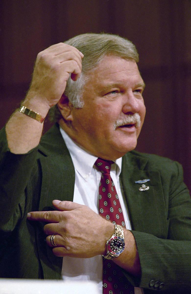 "James ""Bo"" Gritz describes how white separatist Randy Weaver's wife Vicki was shot wh ..."
