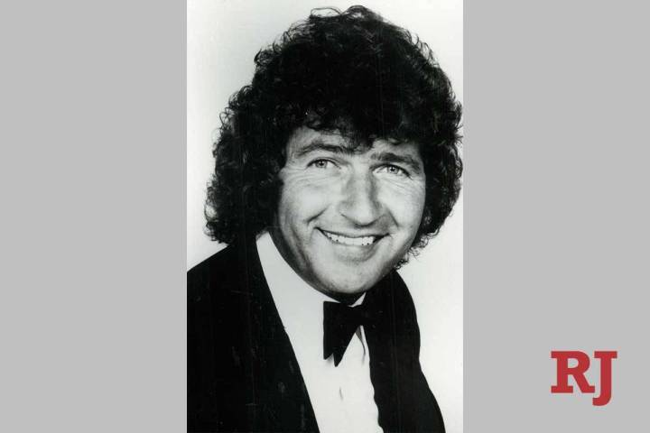 Country star and songwriter Mac Davis died Tuesday at age 78. (COLUMBIA RECORDS)