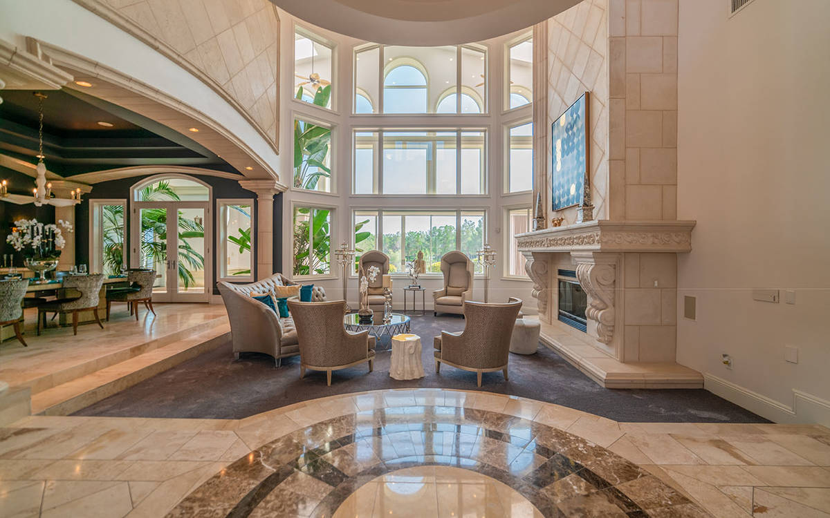 The home was built in 2003. (Luxurious Real Estate)