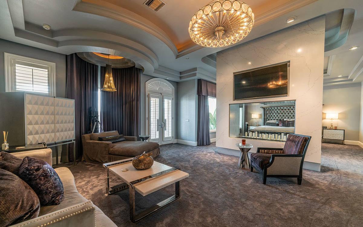 The den. (Luxurious Real Estate)