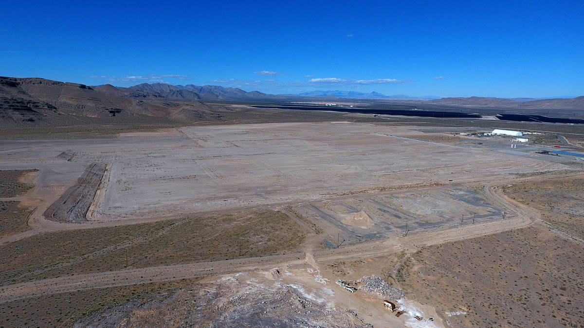 Aerial view of 900 acres at Apex Industrial Park that Faraday Future put on the market for $40 ...