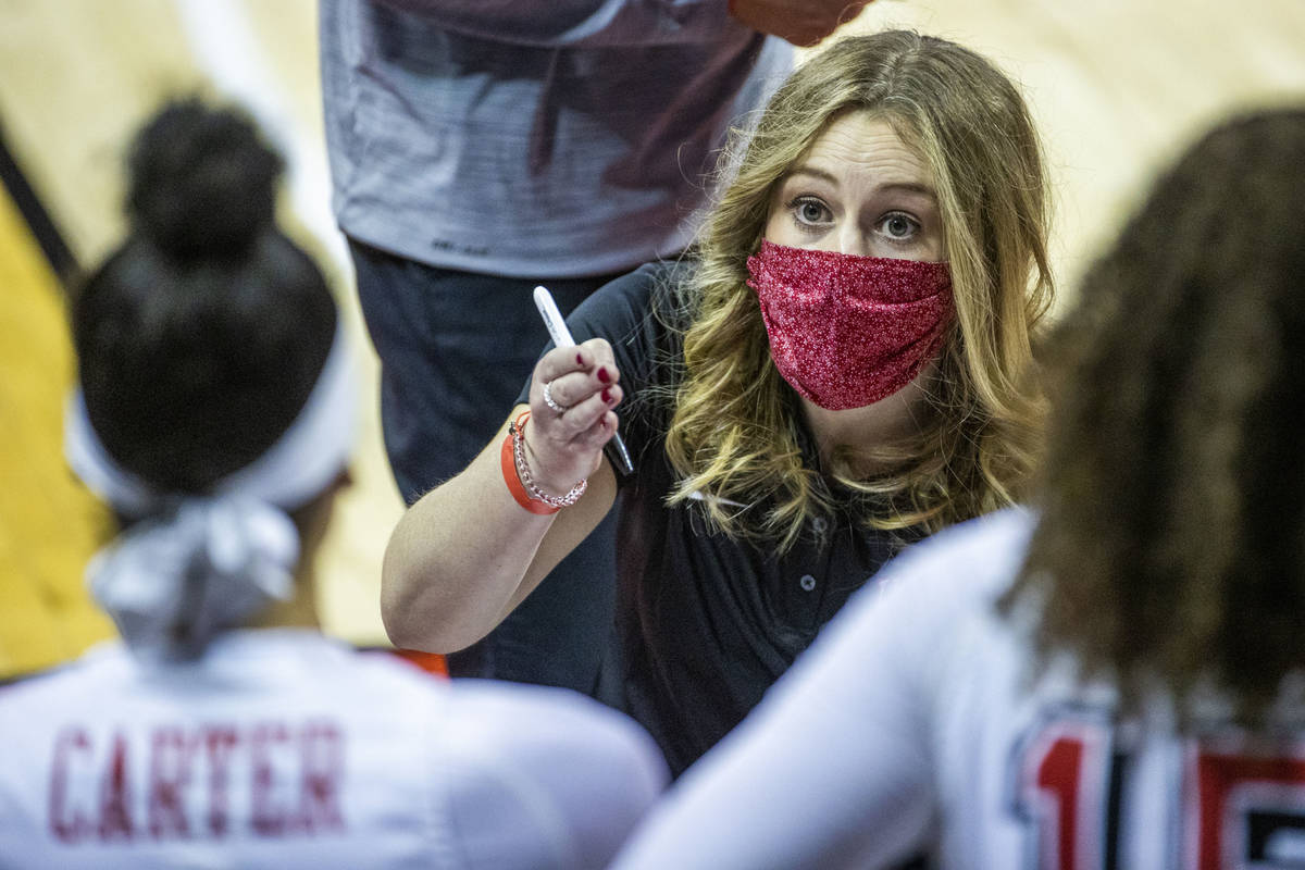 UNLV coach Lindy La Rocque, center, shown Dec. 5, guided the Lady Rebels to a 54-46 win over Wy ...
