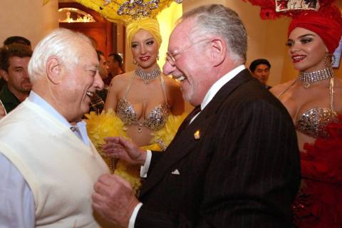 Las Vegas Mayor Oscar Goodman, right, greets former Los Angeles Dodger manager Tommy Lasorda in ...