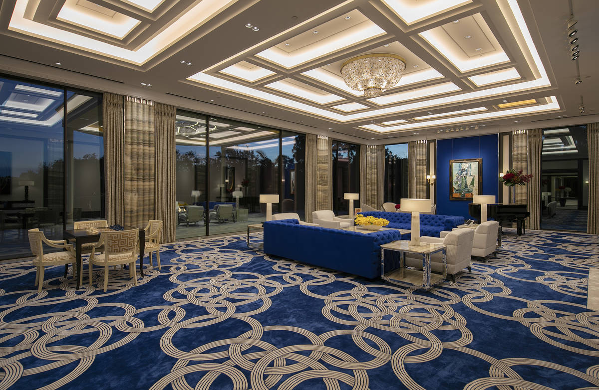 Casino developer Steve Wynn is trying to sell his Beverly Hills, California, mansion, seen here ...