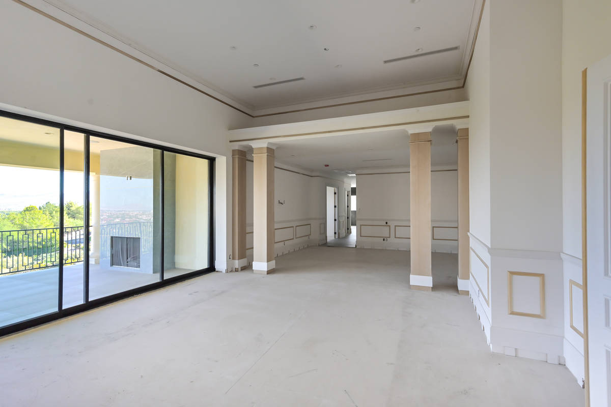 The first floor opens to the patio. (Luxurious Real Estate)