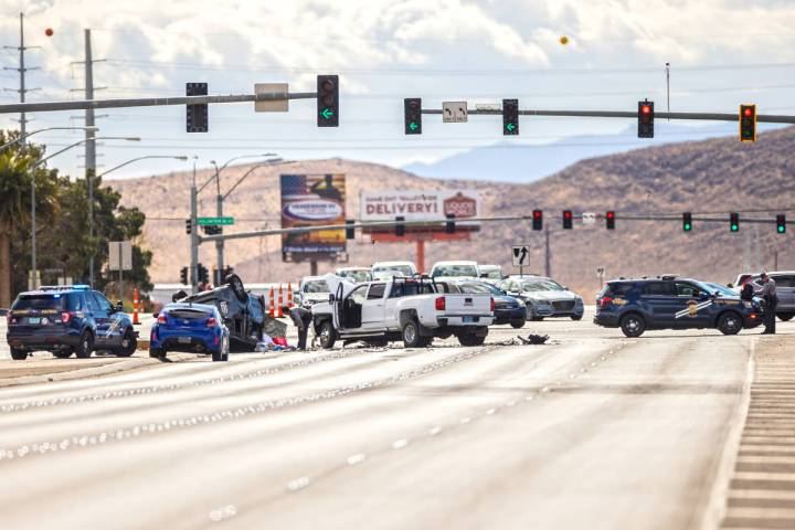 Nevada Highway Patrol investigate a suspected DUI crash that left 2 people dead at the intersec ...