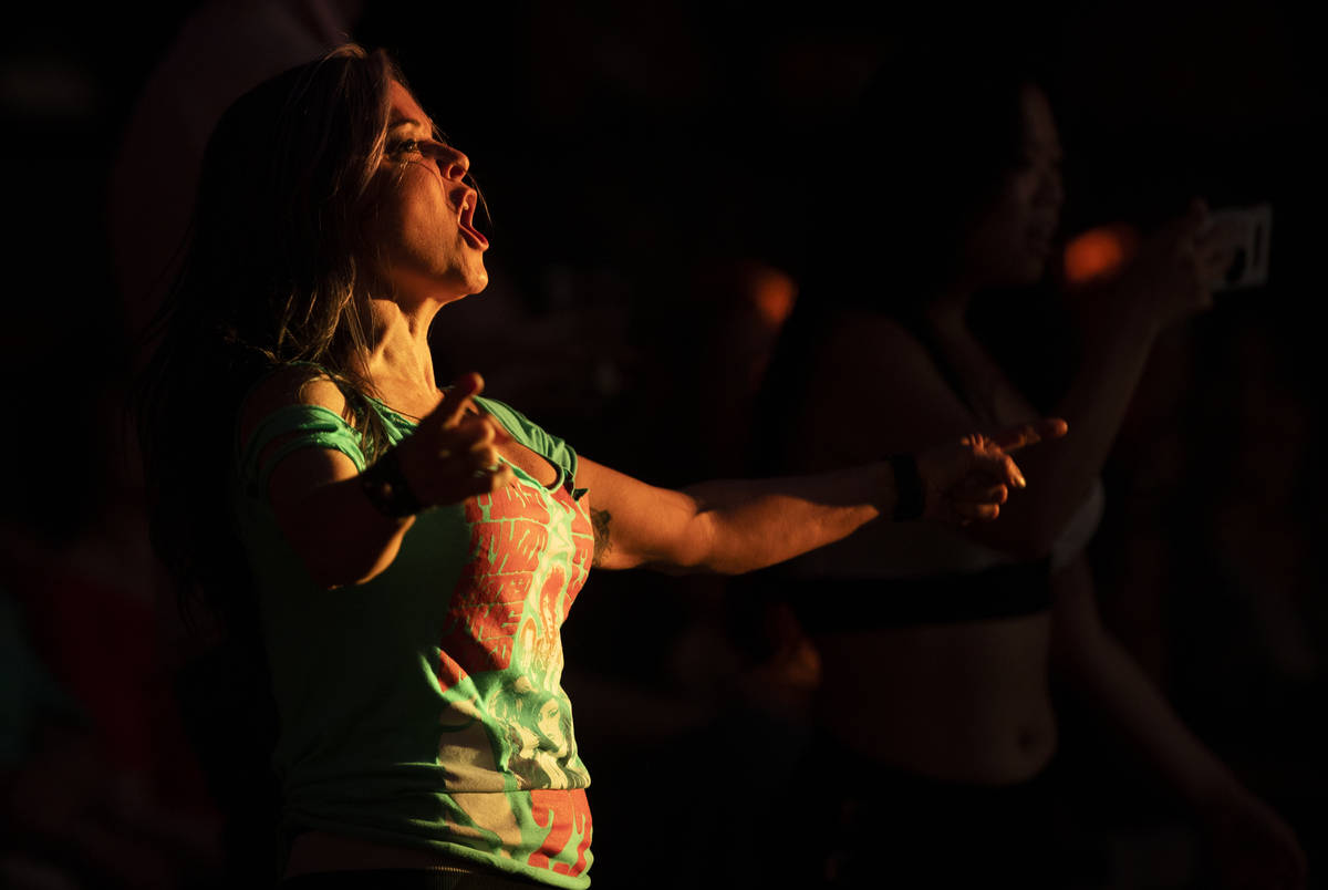 The crowd cheers for performers in Ò27 - A Musical Experience,Ó a new show at Virgin ...