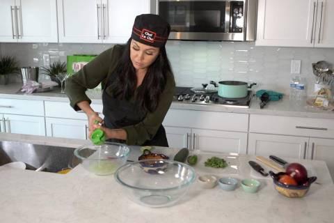 Chef La Che squeezes fresh limes. (Ryan SmithLas Vegas Review-Journal)