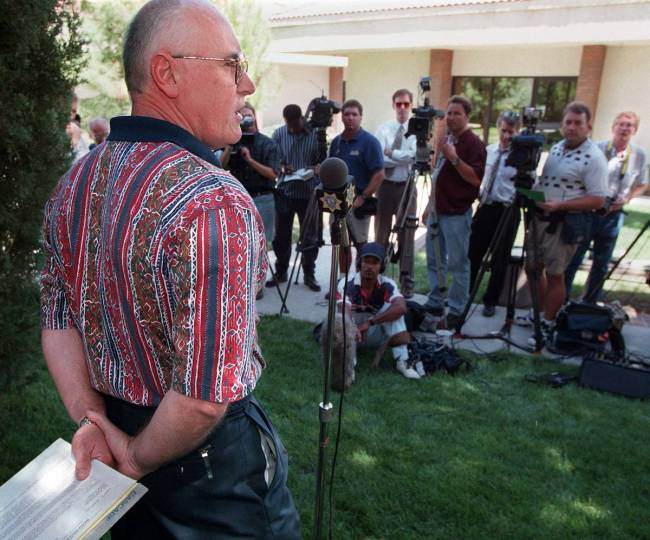 Kevin Manning addresses the media about the Tupac Shakur shooting. (Las Vegas Review-Journal file)