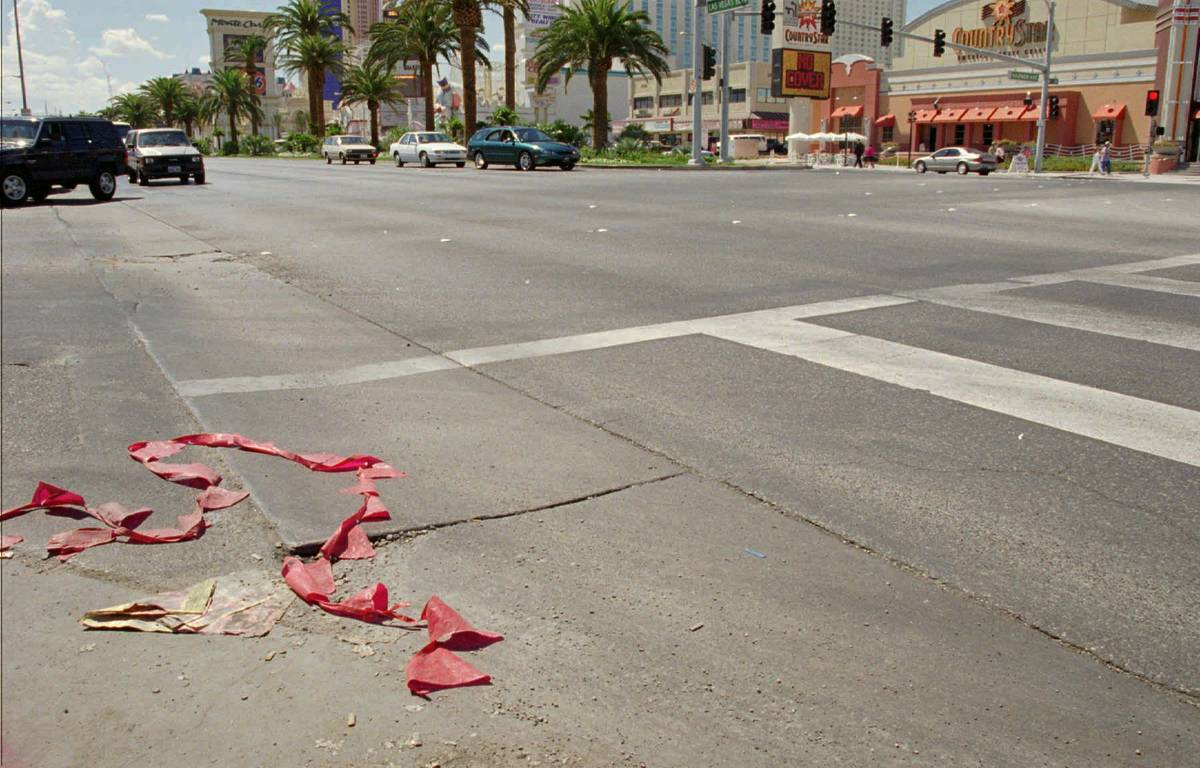 The intersection of Harmon and Las Vegas Blvd., in Las Vegas, Sunday, Sept. 8, 1996, where rap ...