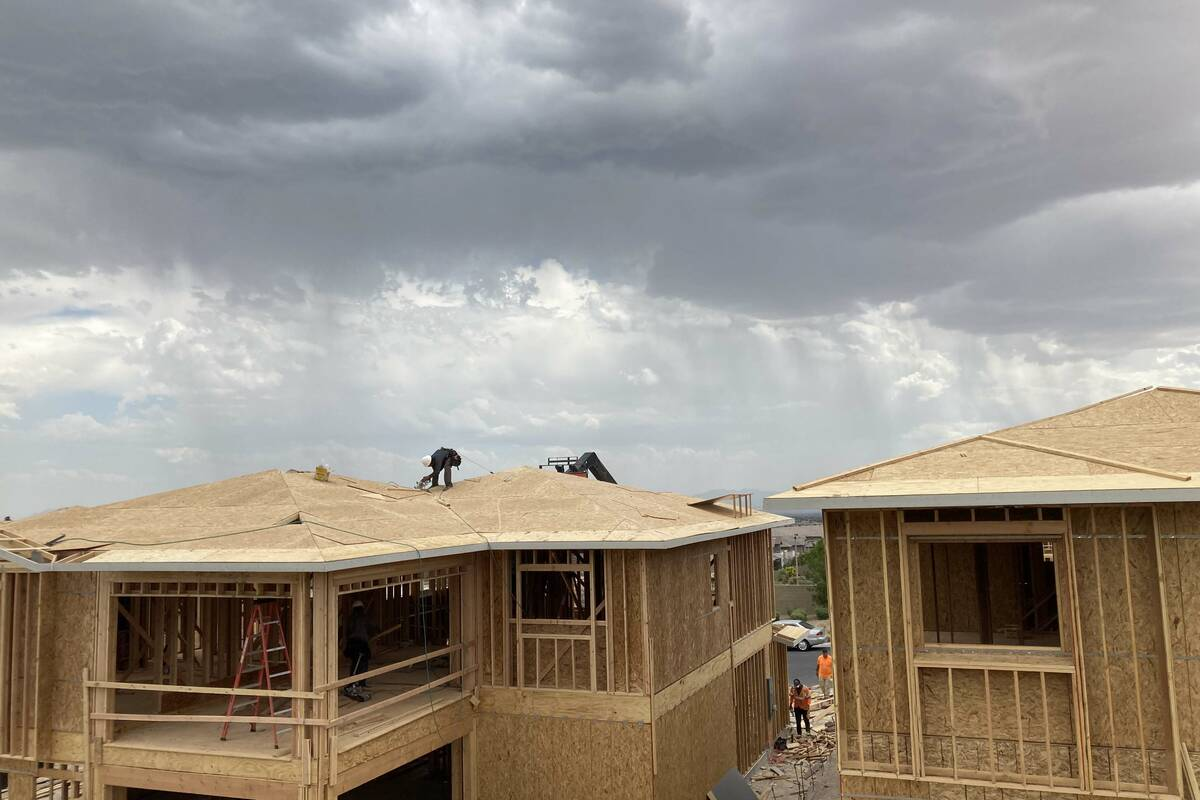 Rain clouds hang over Summerlin on Friday, Sept. 10, 2021. (Eli Segall/Las Vegas Review-Journal)