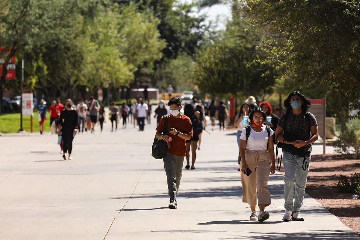 Students walk between classes at UNLV in Las Vegas Thursday, Sept. 16, 2021. (Rachel Aston/Las ...