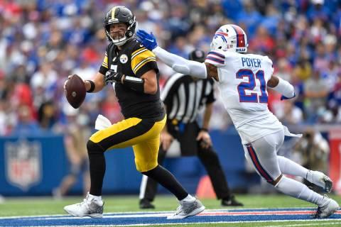 Pittsburgh Steelers quarterback Ben Roethlisberger (7) is pressured by Buffalo Bills safety Jor ...