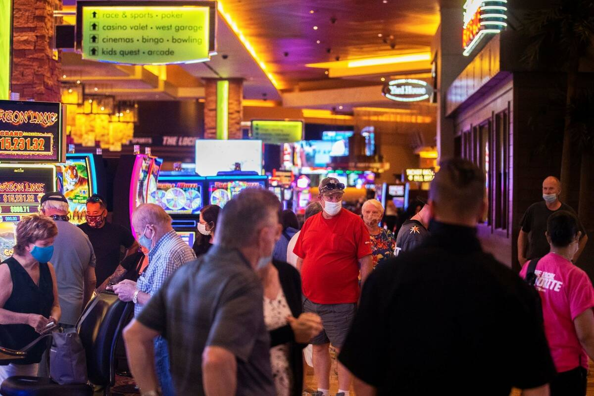The gaming floor is packed at Red Rock Resort on Wednesday, May 12, 2021, in Las Vegas. (Benjam ...